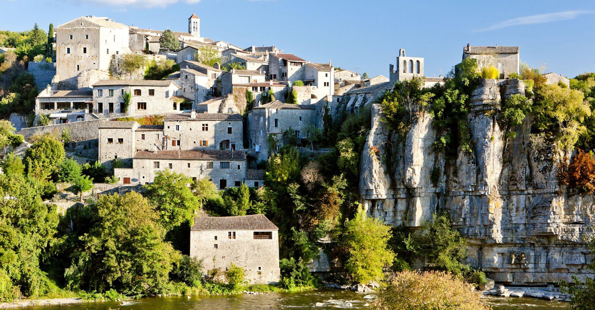 Balazuc - Village de caractère - Gîtes de France Ardèche