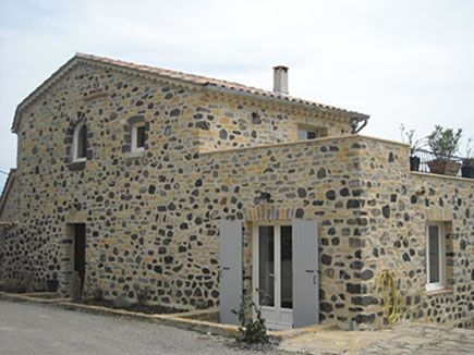 Location gîte avec pierre volcanique du Coiron - Les Terrasse (159700)