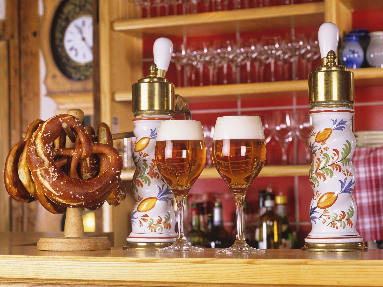 Bière alsacienne et bretzel