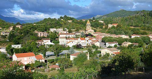 Meyas Village de caractère - Location gîte Ardèche