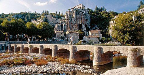 Labeaume - Village de caractère - Gîtes de France Ardèche
