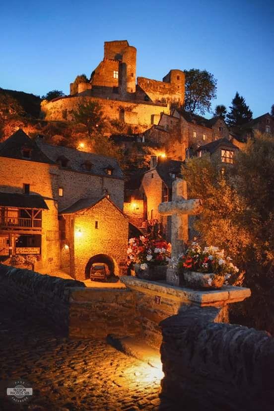 Le village la nuit