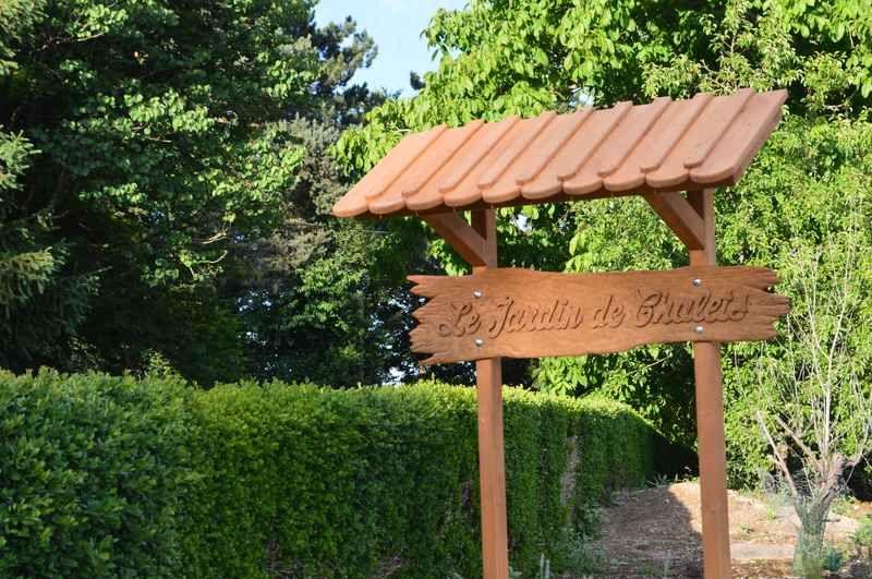 panneau jardin de chalets
