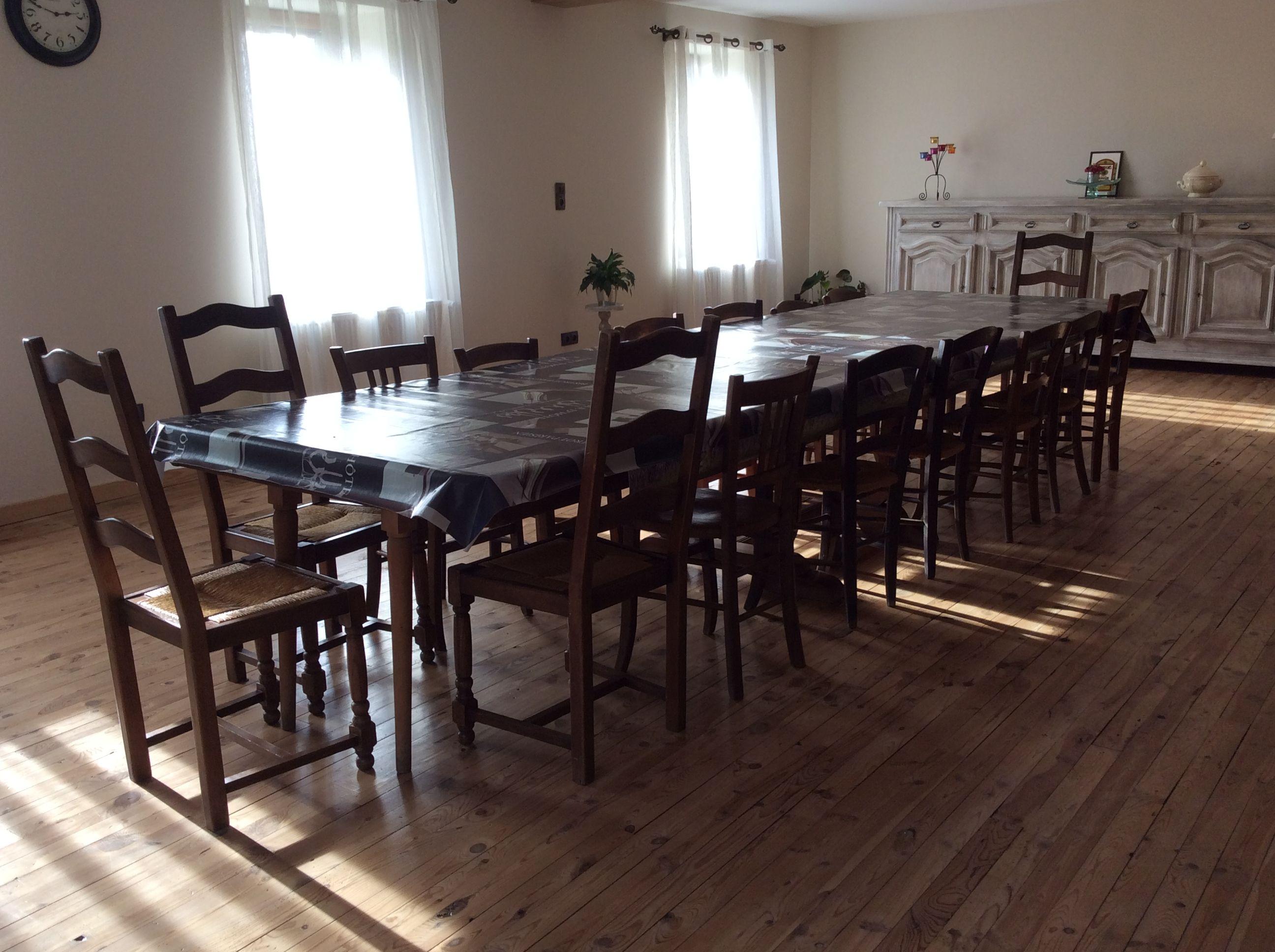 salle repas et petit déjeuner