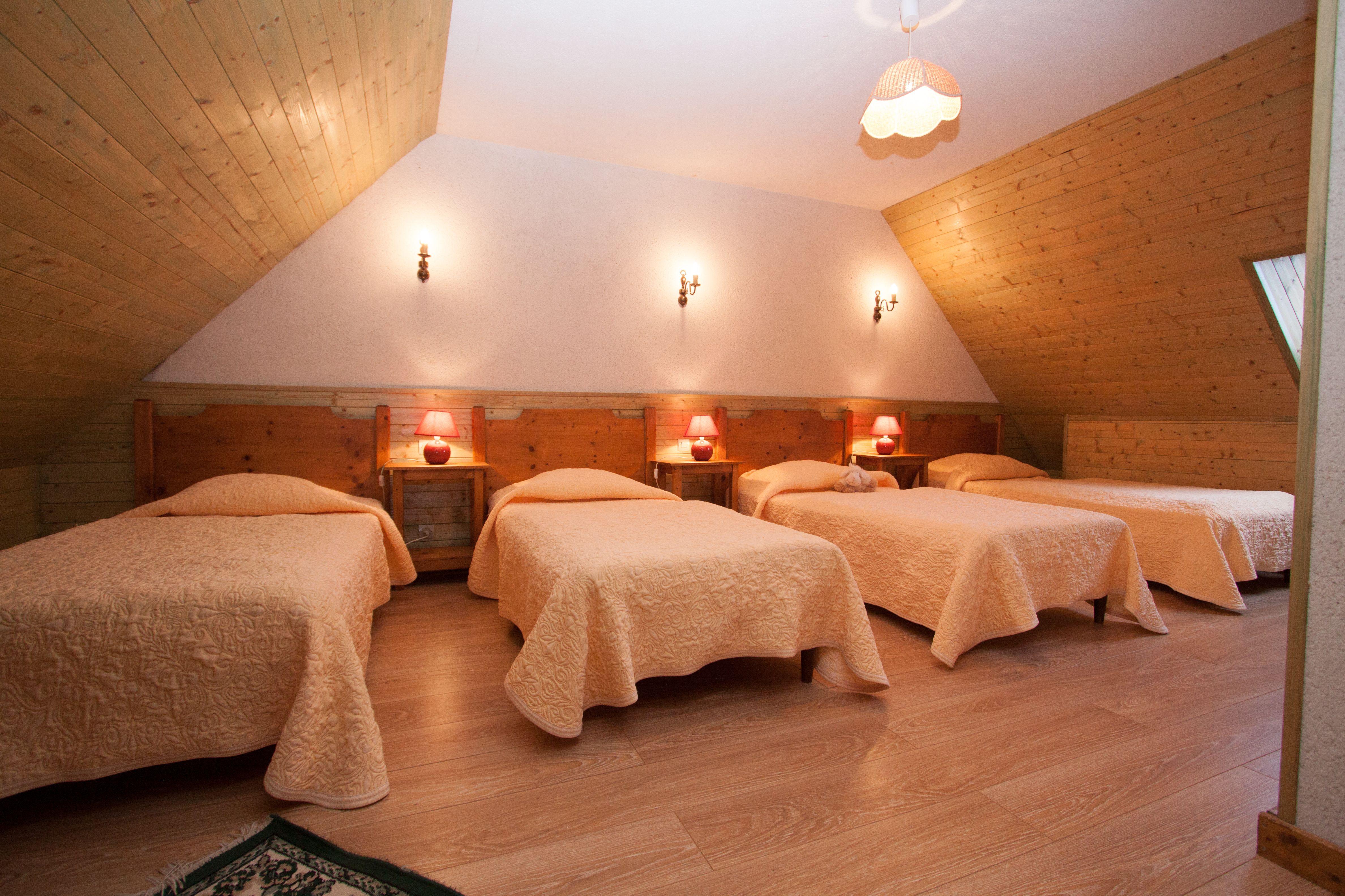 Premier étage : chambre à 4 lits