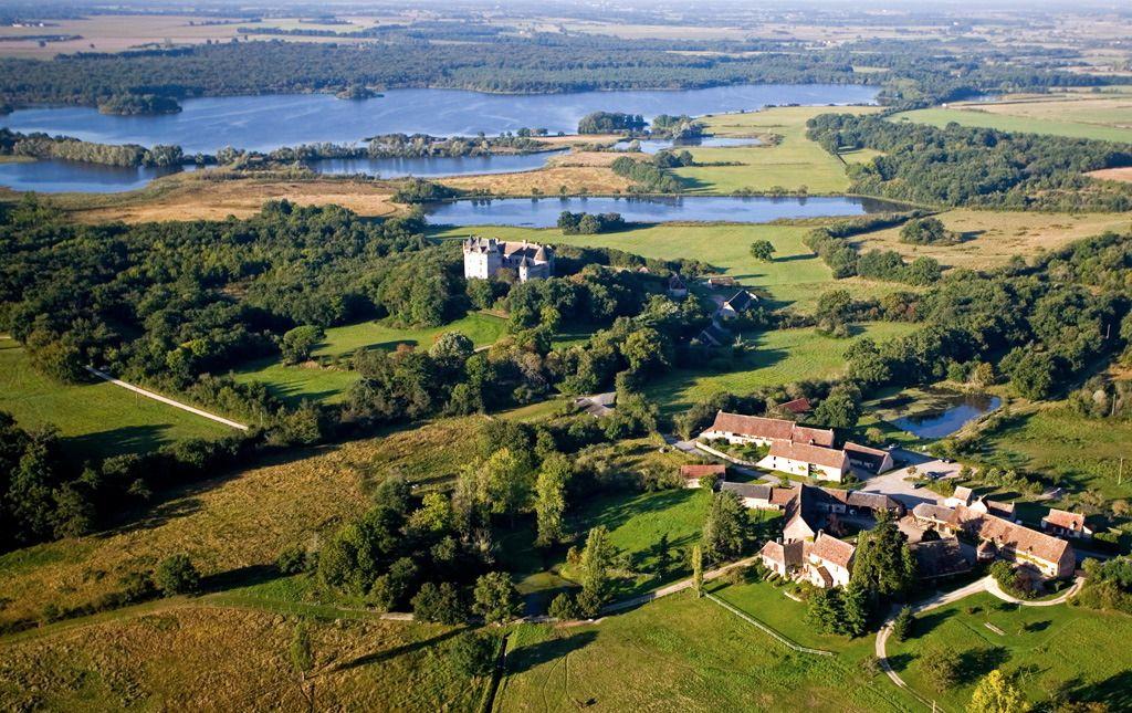 Le Bouchet, site de la maison du Parc et l'étang de la Mer rouge