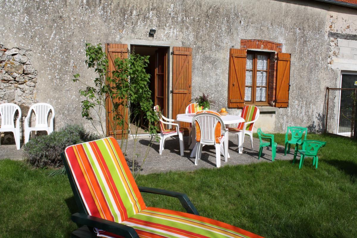 Terrasse, pelouse 51G265 - La Petite Ferme - Margny - Gîtes de France Marne
