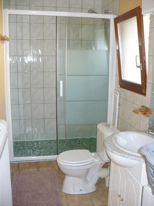 Salle de bain avec grande douche 51G265 - La Petite Ferme - Margny - Gîtes de France Marne