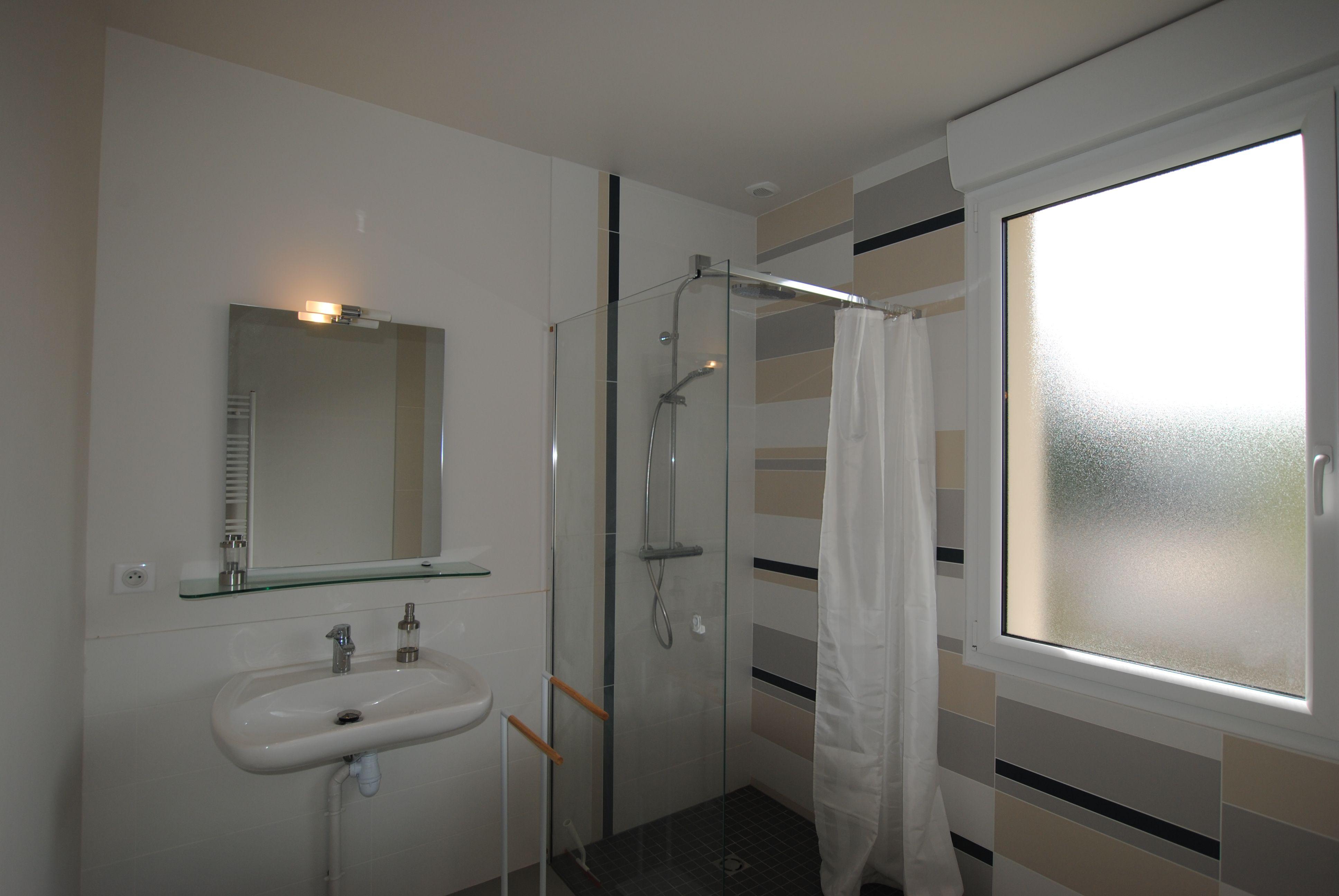 51G494 - Pogny - La Maison Gabriel - salle d'eau rez-de-chaussée