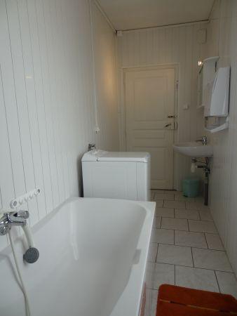 Salle de bain ,Baignoire ,lave linge,WC