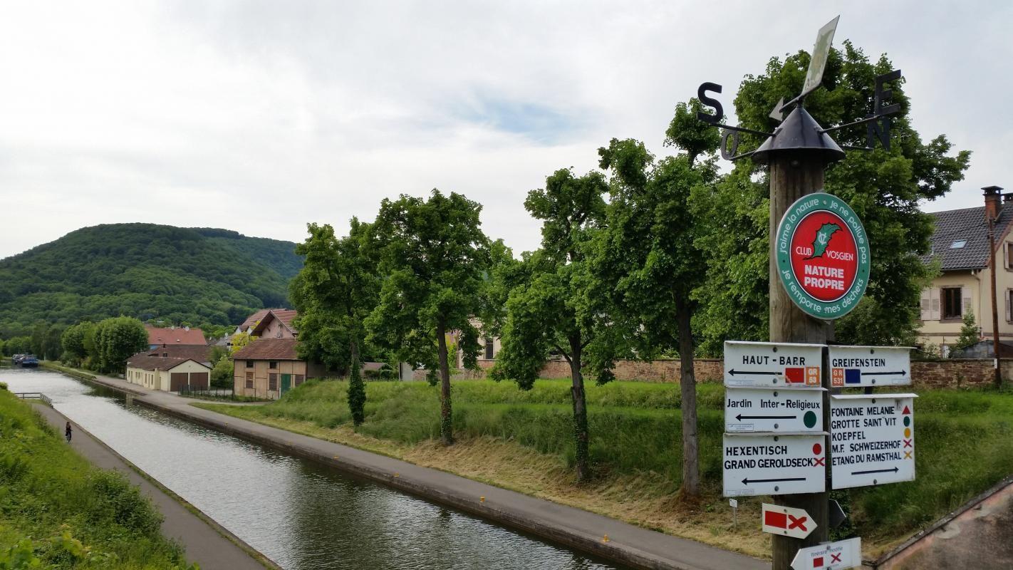 A quelques pas du Canal de la Marne au Rhin, piste cyclable, sentiers de randonnées