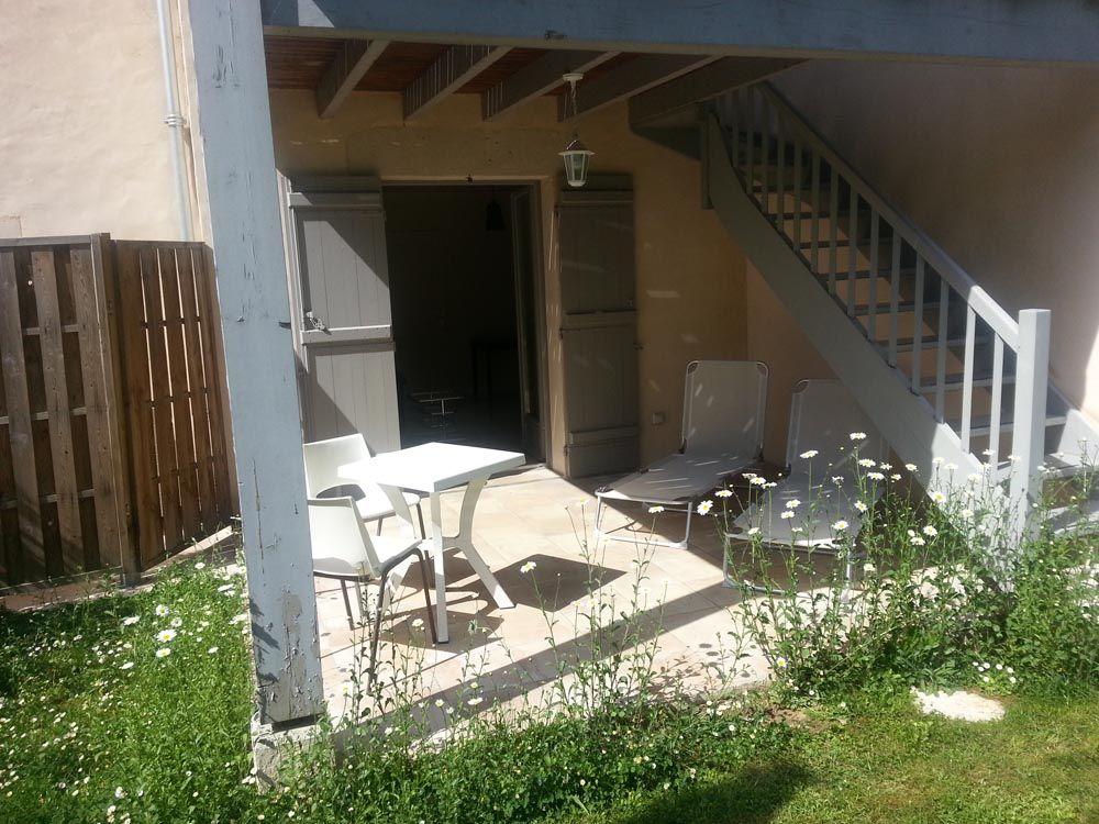 """La terrasse privée de la chambre """"grain doré"""""""