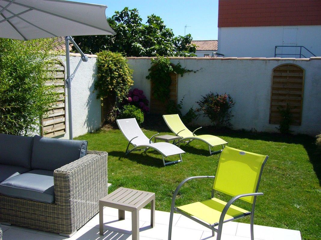 Salon de jardin et relaxes