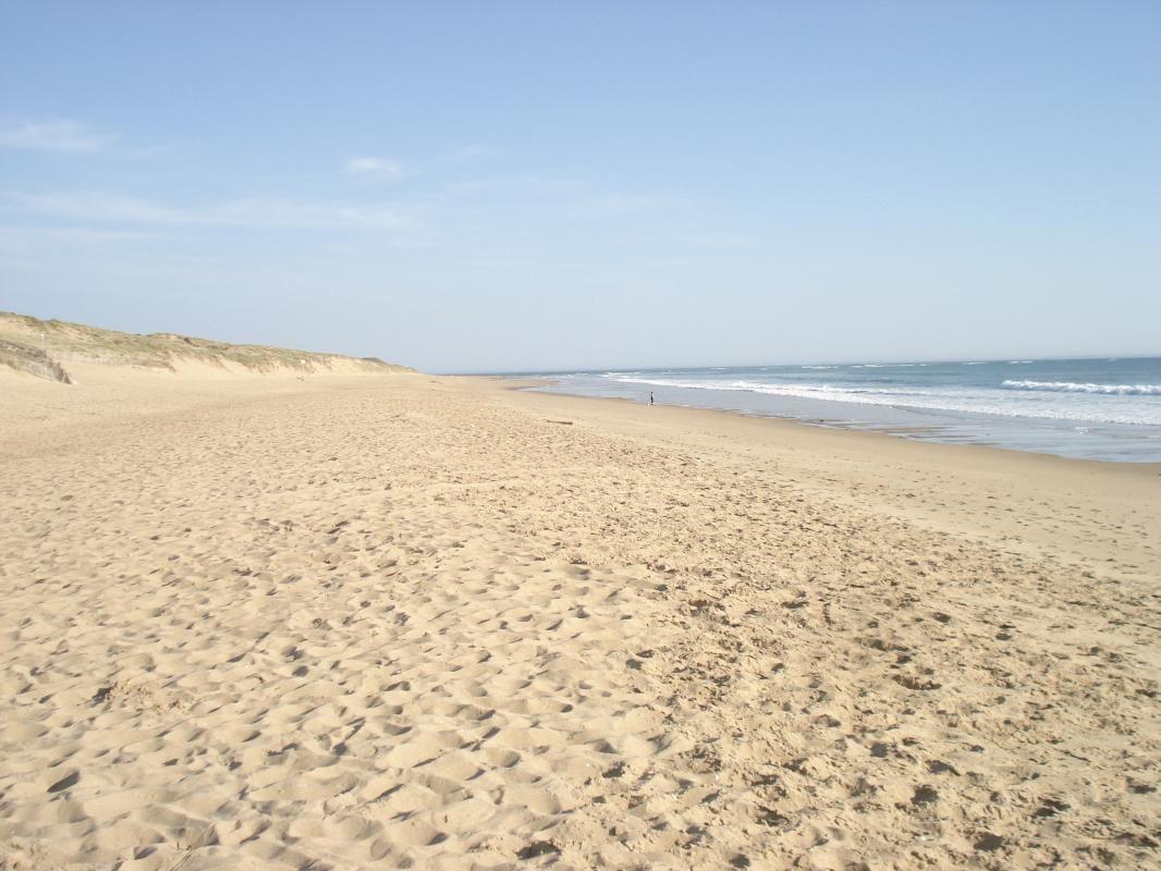 Plage de la Terrière, la plus proche, 1 km de la maison, très grande plage de sable fin