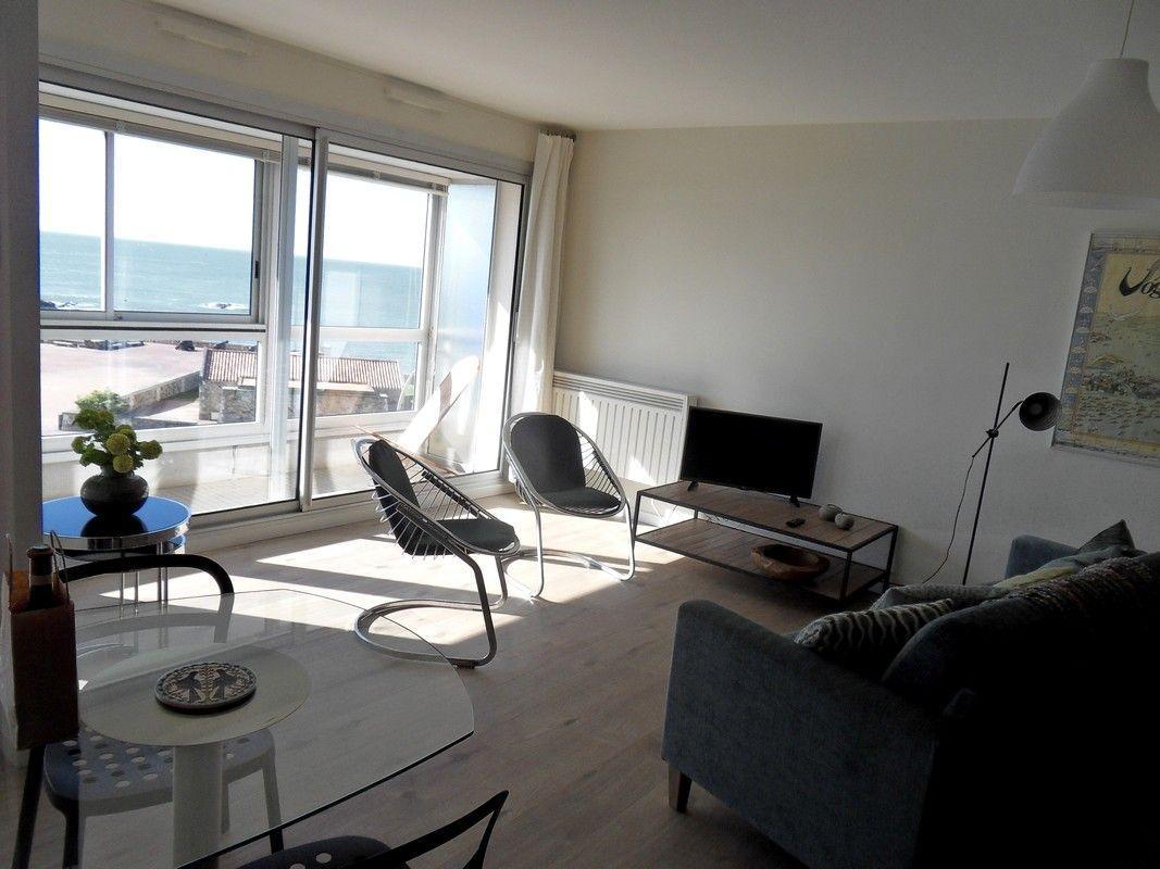 Salle de séjour avec vue sur mer