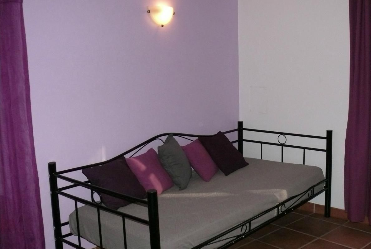 chambre n°2 lit 90