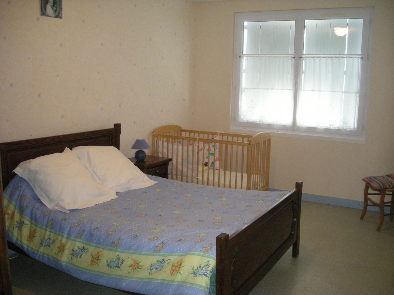 chambre lit 140 et lit BB à l'étage