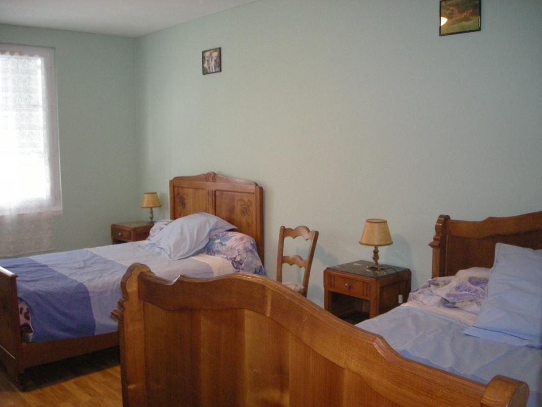 chambre 2 lits 120 à l'étage