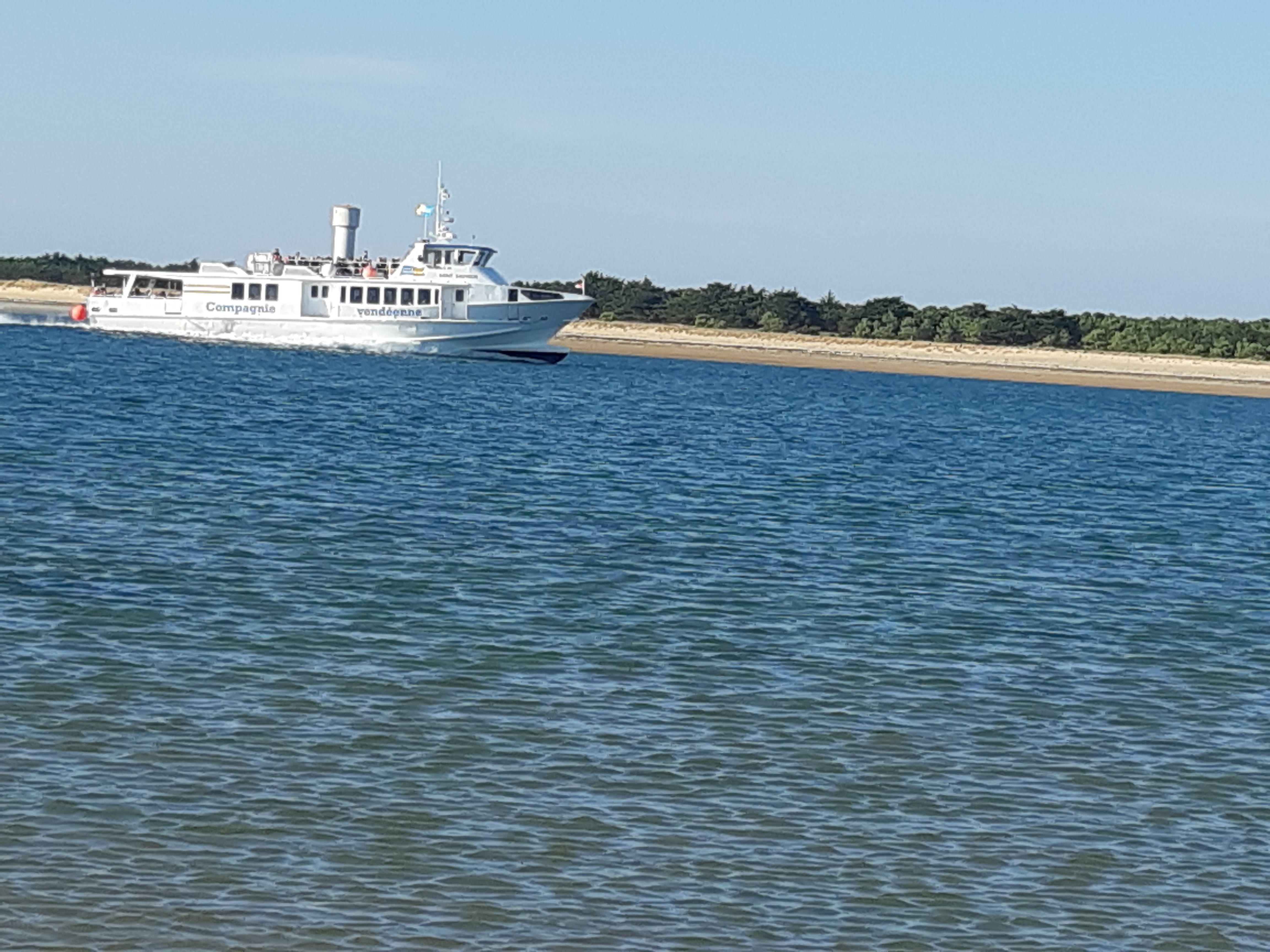 Ile d'Yeue en bateau départ de Fromentine à 20 kms.