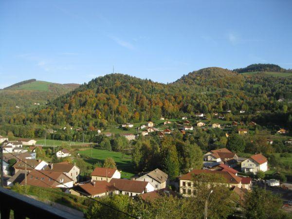 village sur  le village et montagne