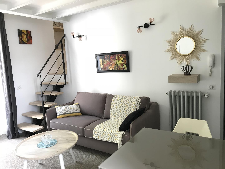 séjour et accès chambre duplex
