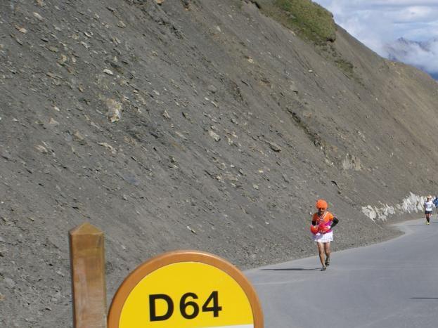 Départ du village pour la plus haute route d'Europe col de la Bonette 2860 m