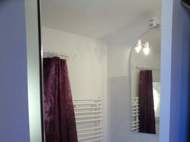 Salle d'eau dans la chambre au deuxième niveau