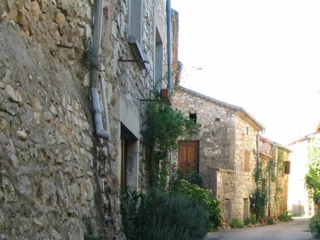Hameau de la Rouveyrolle et ses rues typiques