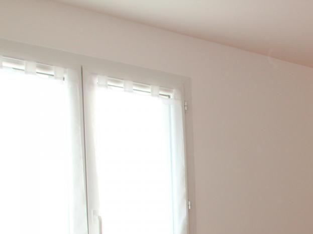 Chambre du gîte Le Cigalou avec 1 lit en 140 cm