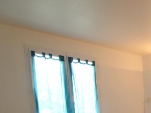 chambre avec 2 lits qui peuvent être séparés