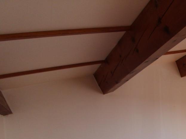 Deuxième chambre à l'étage avec lit en 140 cm gîte Le Plein Sud