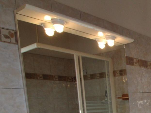 Salle de bain au rez de chaussé gîte Le Plein Sud
