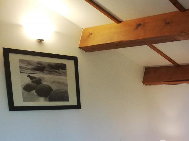 Chambre à l'étage avec lit en 180 cm.
