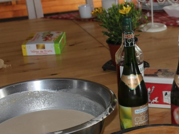 Pour vos soirées conviviales crêpière, service à raclette et fondue