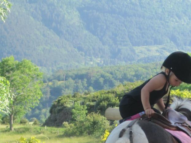 En selle !  Ballade avec nos 2 poneys