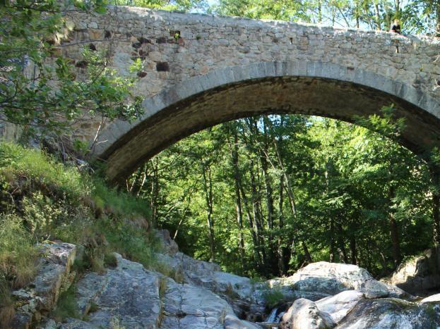 La Pervenche à 10 km : l'Ardèche sauvage dans toute sa splendeur (possibilité de baignade)