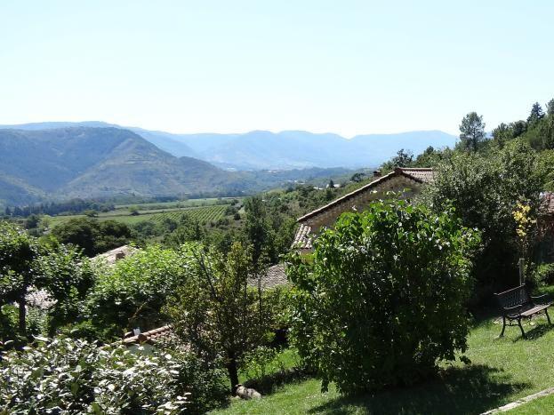 Espace détente avec vue panoramique sur la vallée