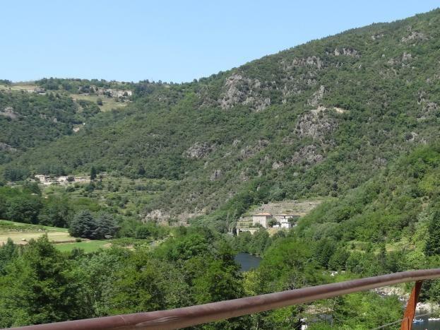 La vallée de l'Eyrieux sur la voie douce.