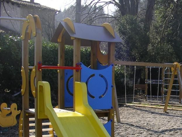 Aire de jeux pour enfants à 3 minutes du Gîte (à côté du Skate Park)