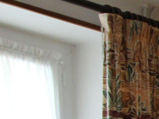Au 1er étage : chambre avec 1 lit en 140 cm.