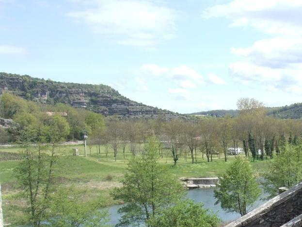 Vu direct sur la rivière ainsi que sur gorges de la Beaume