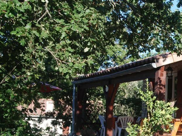 Entrée et terrasse couverte