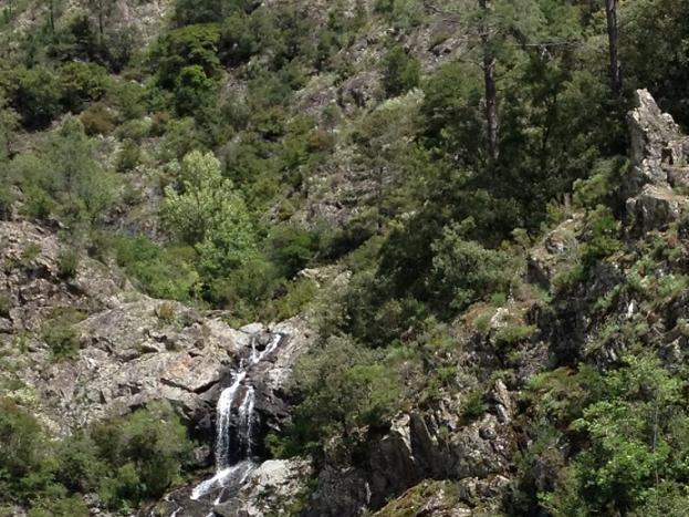 la baignade à proximité sur la rivière Labeaume.