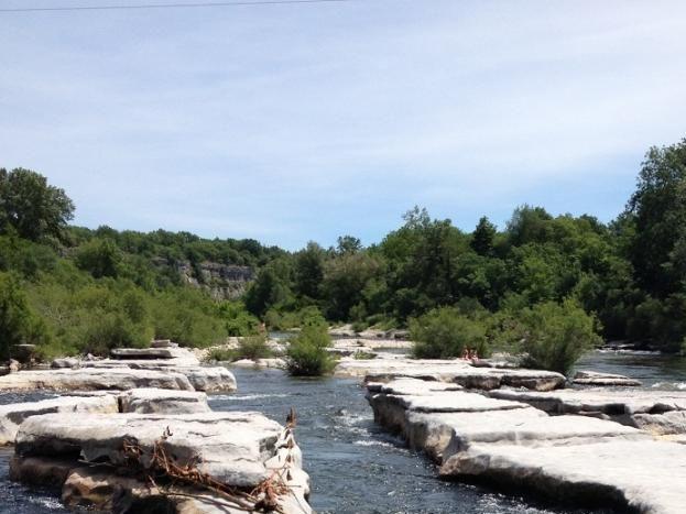 la rivière Chassezac pour la pratique du canoe.