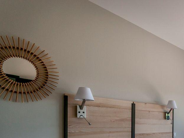 La chambre avec accès terrasse..