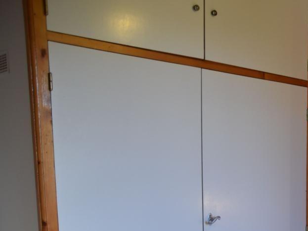 Chambre, porte cabinet de toilette et WC