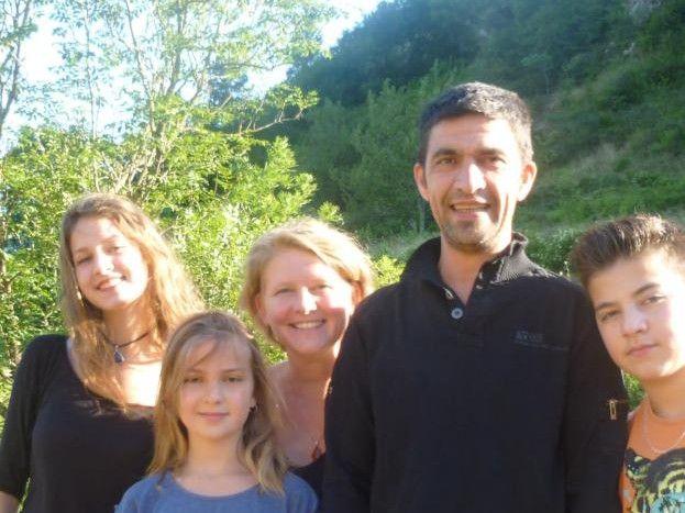 Notre famille au complet : Manon, Lio , Alice , Christophe et Félix