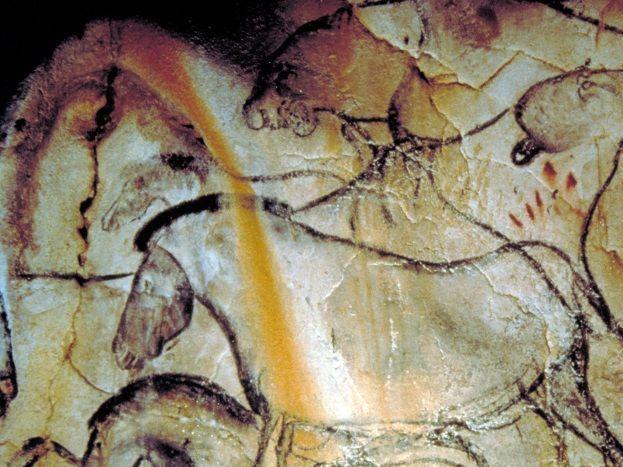 Grotte chauvet2 - la Caverne du Pont Arc Vallon Pont d'Arc - Ardèche  Vacances en famille, entre amis