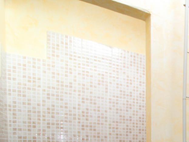 salle d'eau avec sèche cheveux