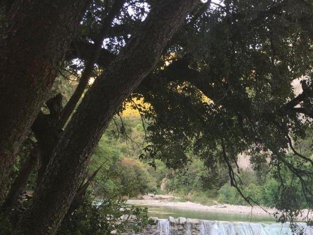 le vallée de L'Ibie  la digue le trou de la lune Ardèche route de Vallon pont d'Arc